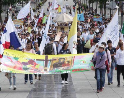 Juventud mexicana custodia ahora los Signos de la JMJ en tierra guadalupana