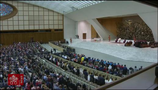 """""""Nosotros escuchamos el Evangelio y tenemos que responder con nuestra vida"""" - Papa Francisco"""