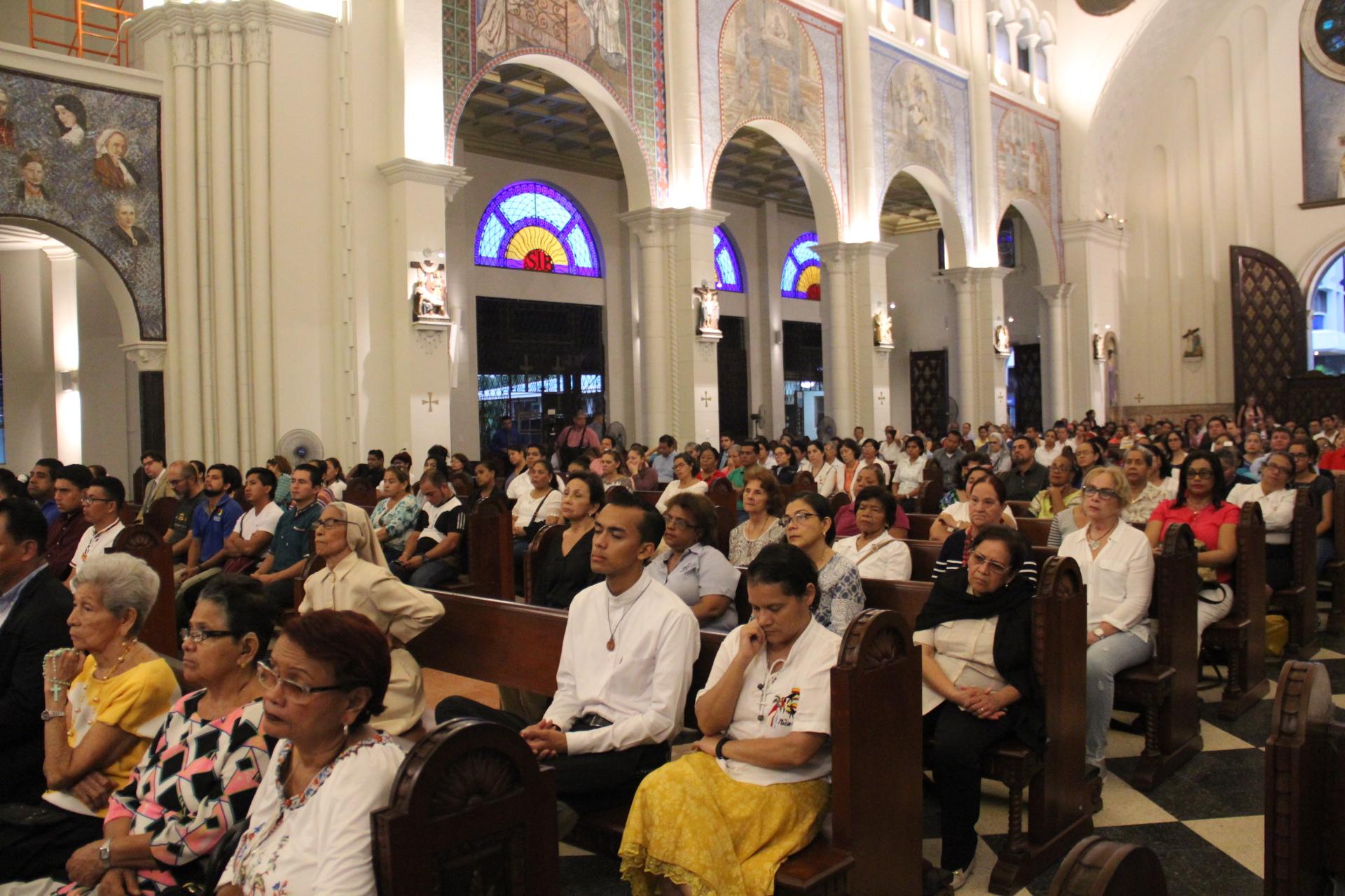 Emotiva Jornada de Oración en Panamá  por los hermanos de Nicaragua