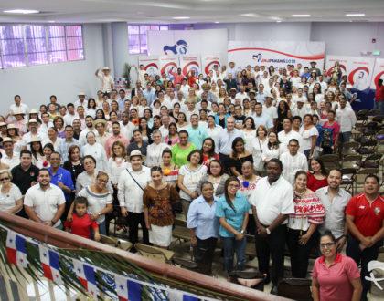 Arzobispado y el COL JMJ celebraron el mes de la Patria