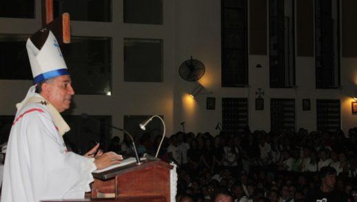 """Queridos  jóvenes: """"Sean los apóstoles de los jóvenes"""" - Monseñor Ulloa"""