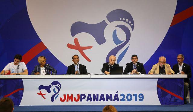 """Se realizó la conferencia: """"Ecología y JMJ"""""""