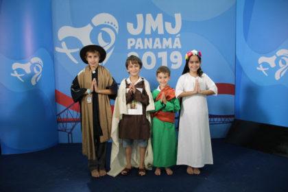 Los pequeños santos al encuentro del Papa Francisco