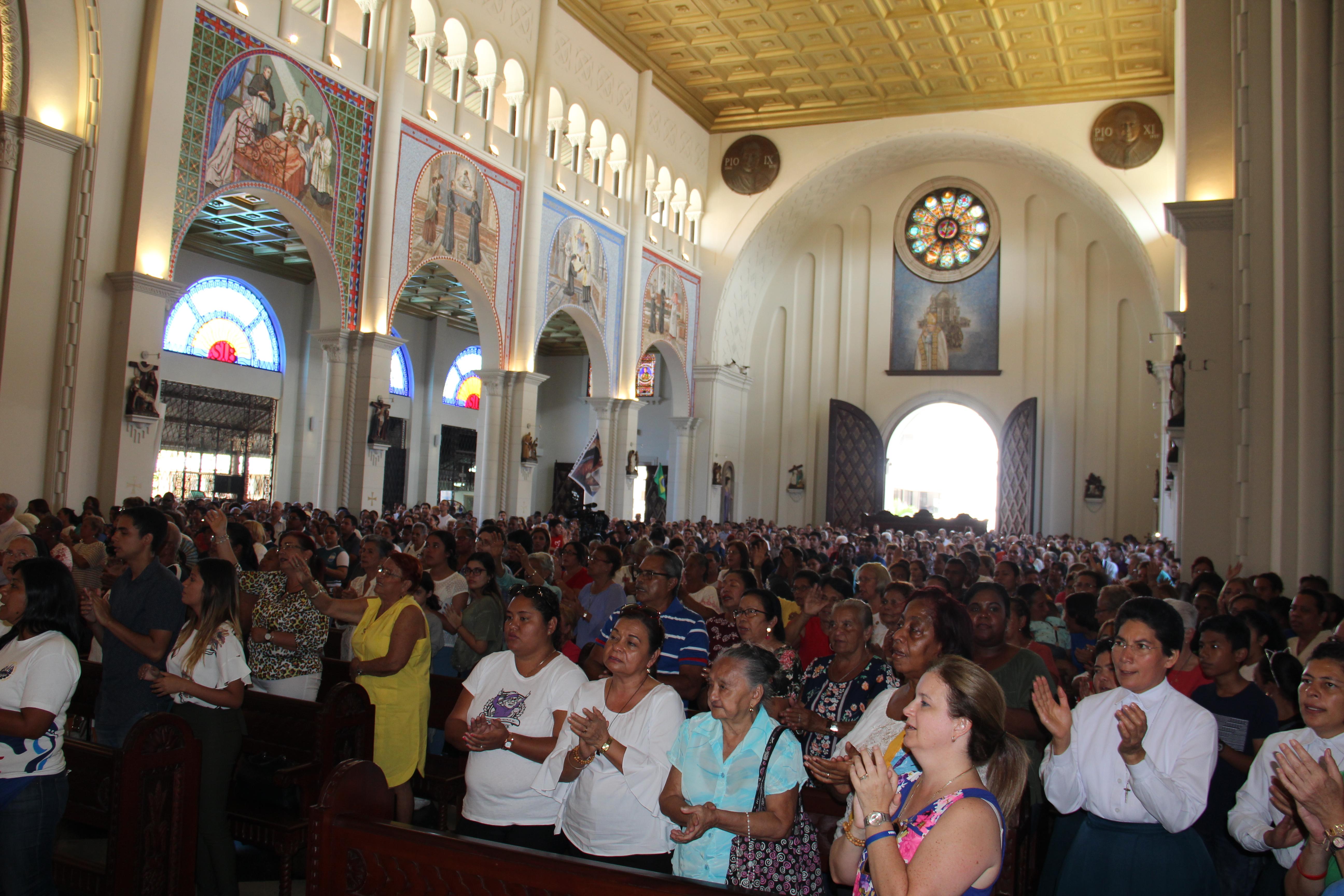 Celebración de los 140 años de la presencia salesiana en Panamá en la Basílica Menor Don Bosco