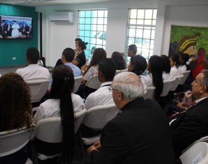 """Papa inauguró con un """"click"""" """"Hub Tecnológico de Scholas"""""""