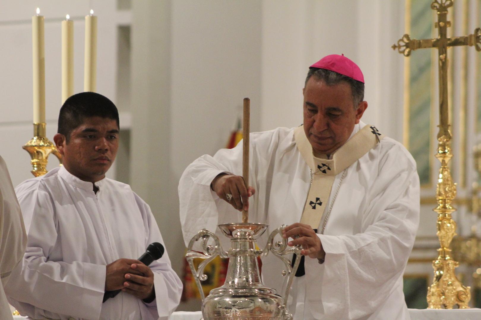 Unos 160 sacerdotes renovaron su promesa de fidelidad a Jesucristo