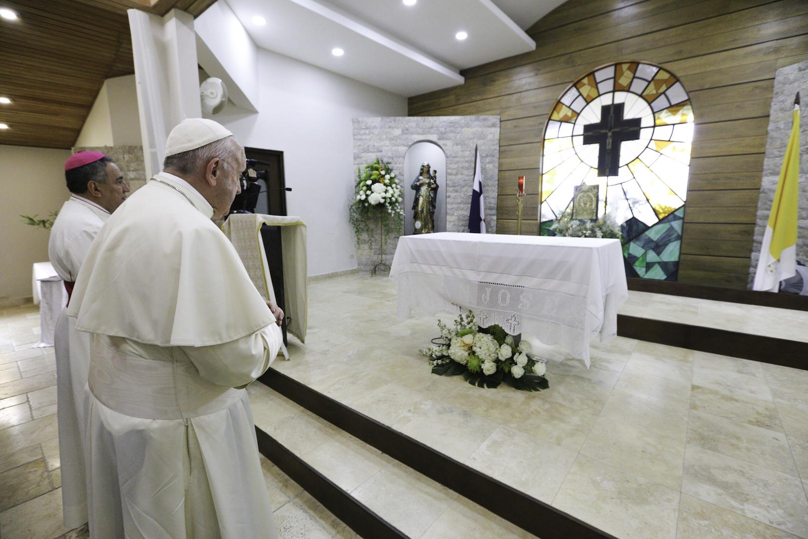 CUSTODIA REGALADA POR EL PAPA AL SMSJ DE PANAMA