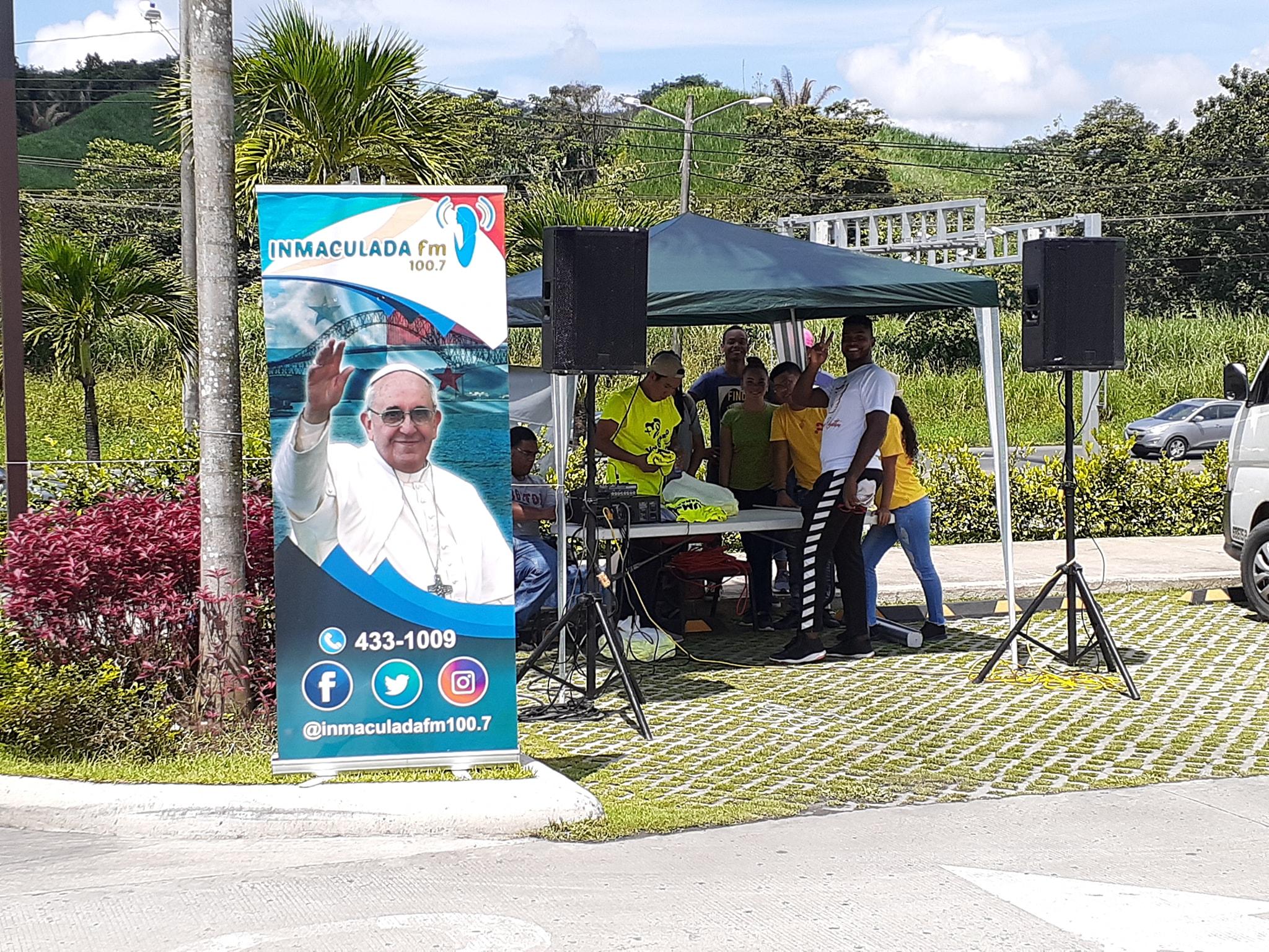 Inmaculada FM recibe apoyo para su Unidad Móvil