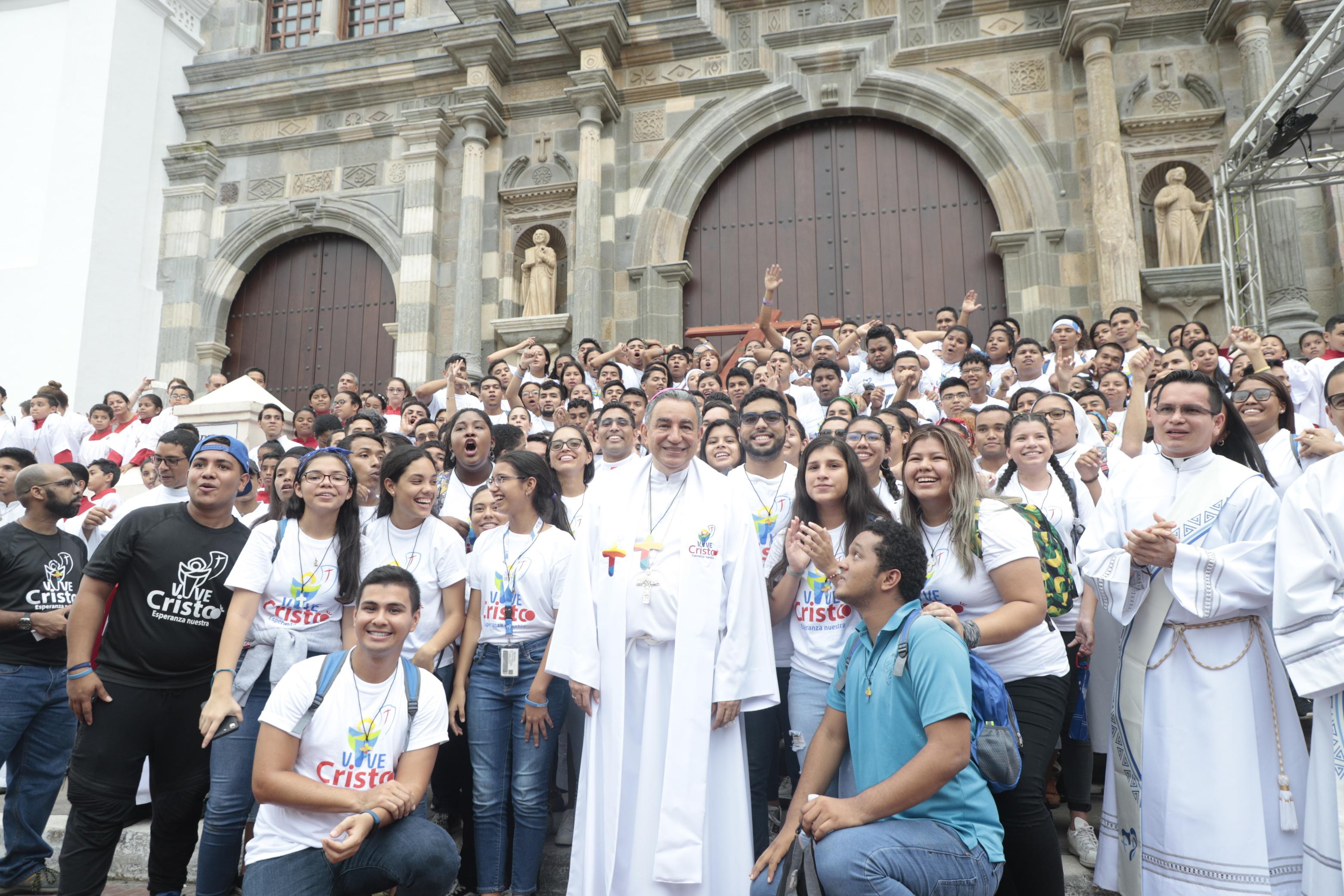 Líderes dispuestos a evangelizar a las jóvenes generaciones