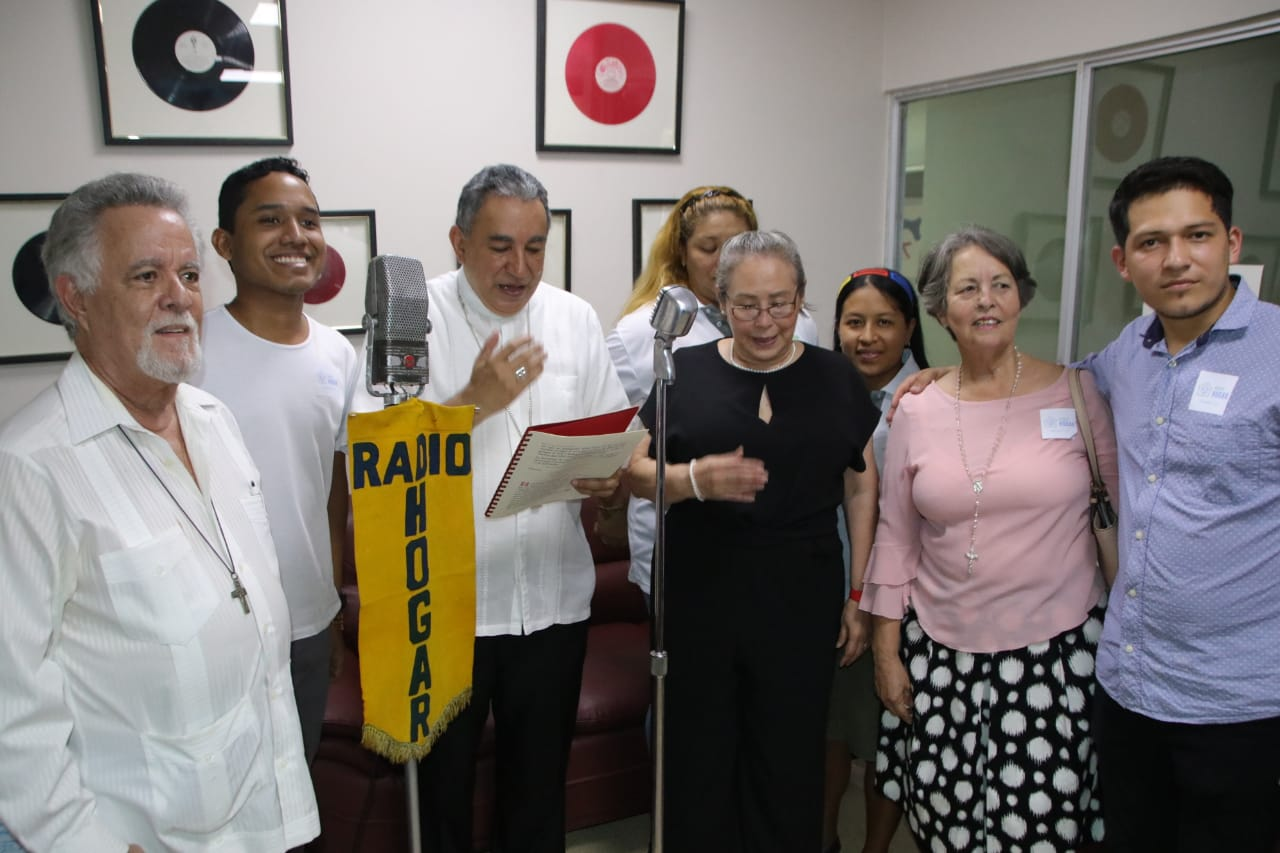 """Radio Hogar en 65 años, """"ha sido un faro para la Iglesia y la sociedad"""""""