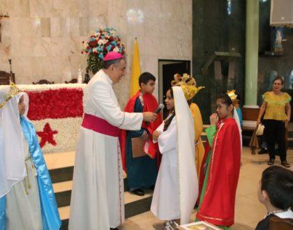 Arzobispo anima a imitar a los santos