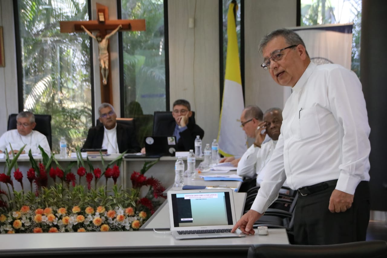 OBISPOS PANAMEÑOS COMPROMETIDOS EN FORTALECER LA PASTORAL PRESBITERAL