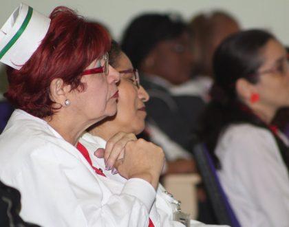 Monseñor Ulloa: rezar juntos por los enfermos y  trabajadores de la salud