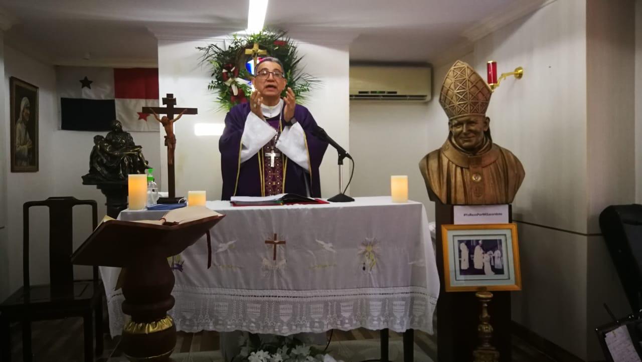 4 DE ABRIL - HOMILÍA MISA TELEVISADA, CAPILLA DE LA CASA DEL ARZOBISPO