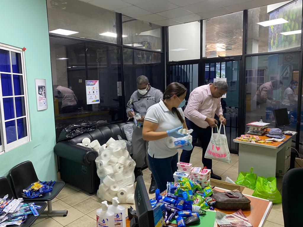 Iglesia Católica entrega donaciones para los centros de cumplimiento de menores