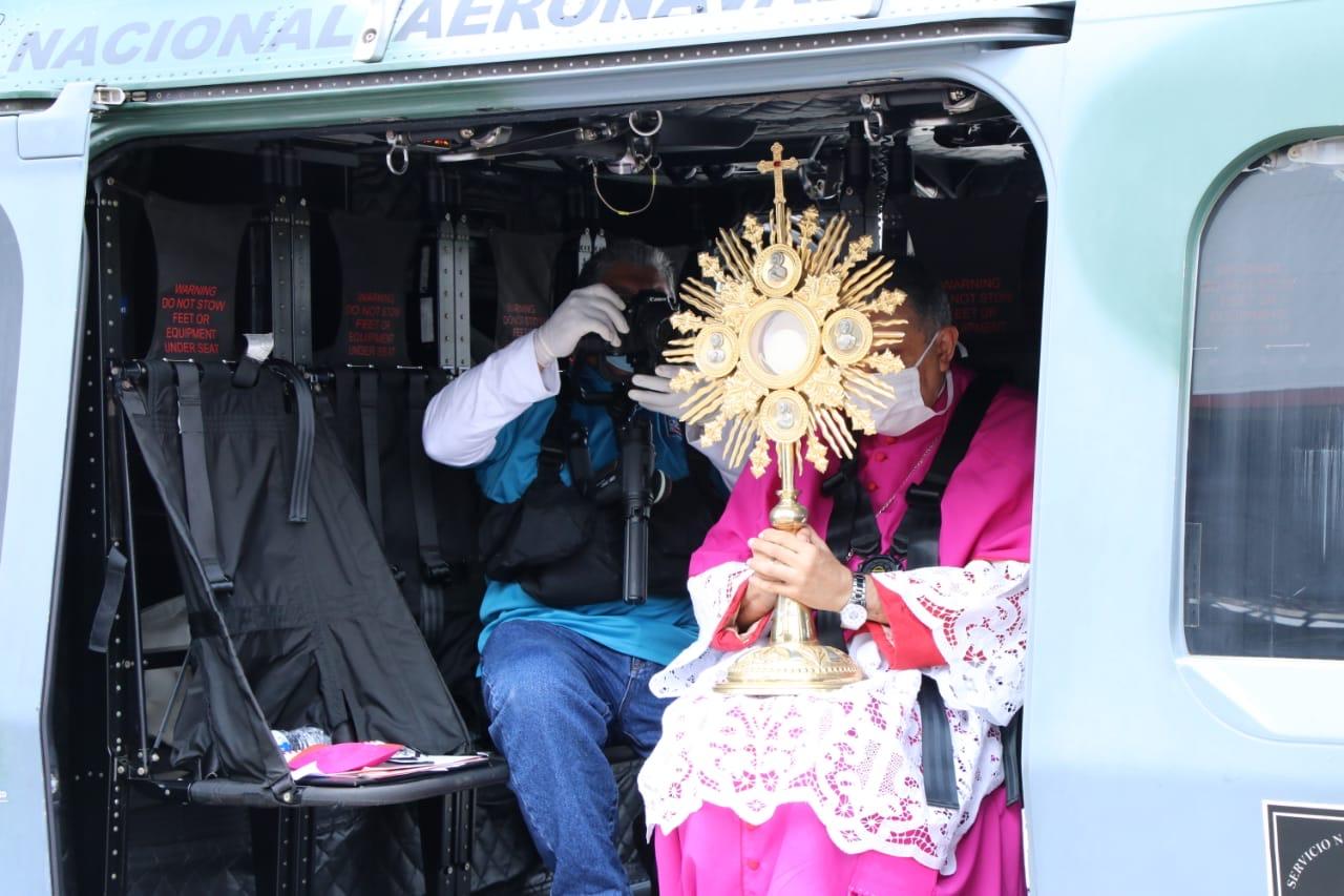 """Arzobispo Metropolitano: """"que elSeñor siga bendiciendo ysacando la 'nobleza' de este pueblopanameño"""