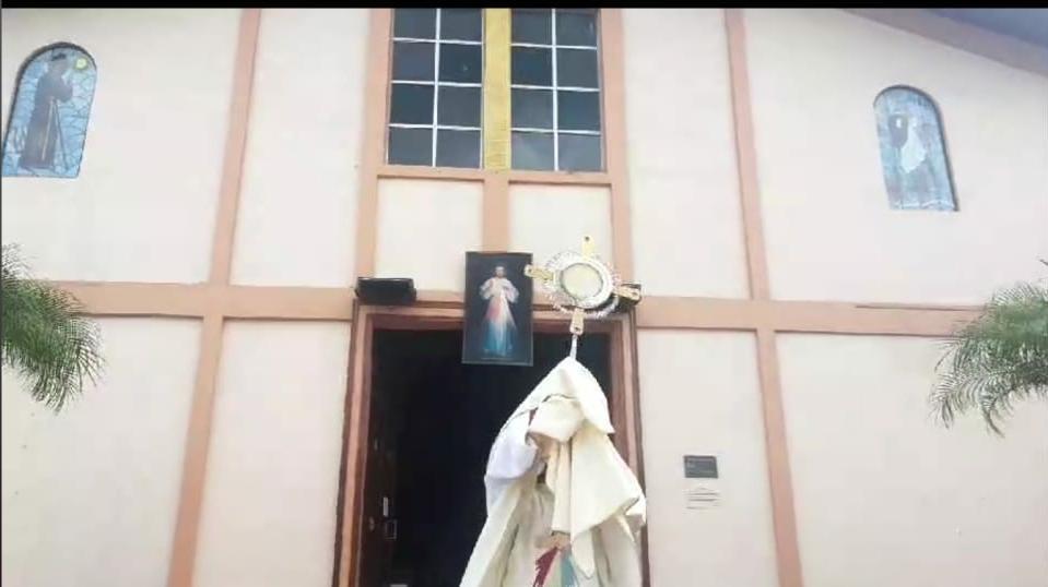 Jesús Sacramento y la Imagen de San Francisco de Paula, salen a celebrar con su pueblo chorrerano