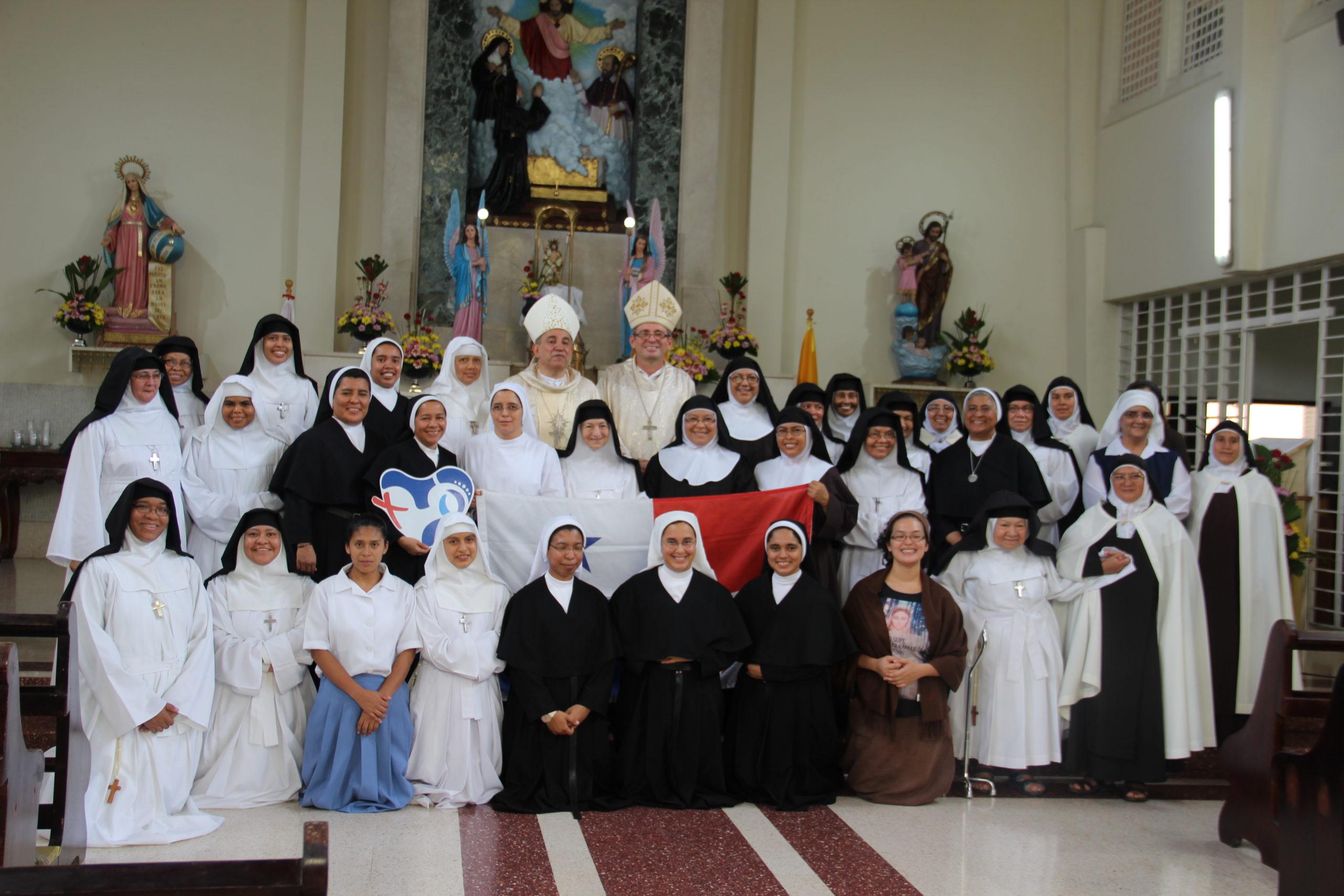 Hnas. del Monasterio de la Visitación desde su claustro, celebran sus 95 años de presencia en Panamá