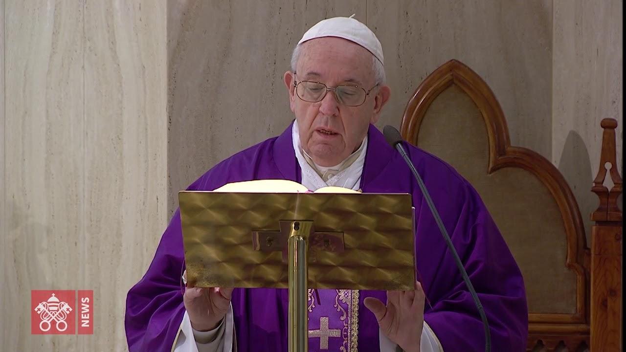 Francisco ora por quienes ayudan a combatir la Pobreza y el hambre por el coronavirus