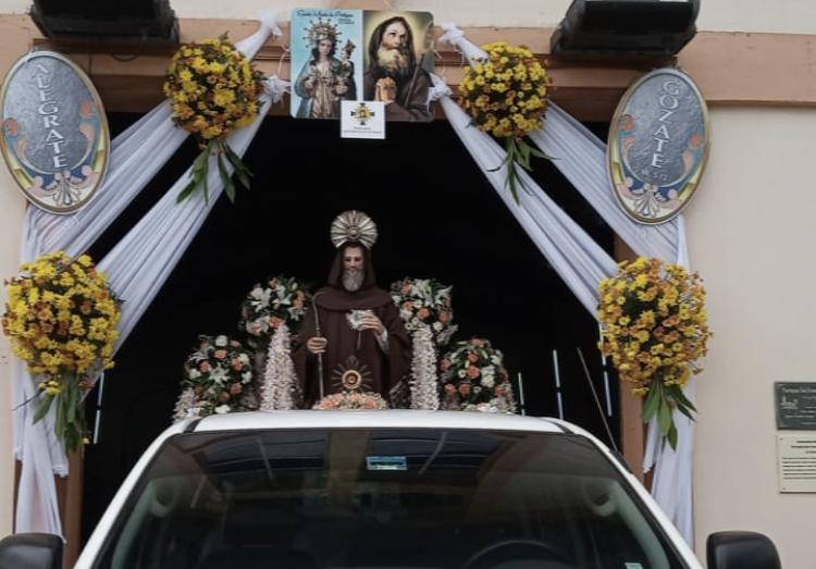 Jesús Eucaristía y San Francisco de Paula celebraron llevando tortillas de maíz a chorreranos
