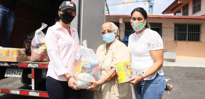Hogar San José Malambo, recibe del MIDES 50 bolsas de comida y 50 latas de leche