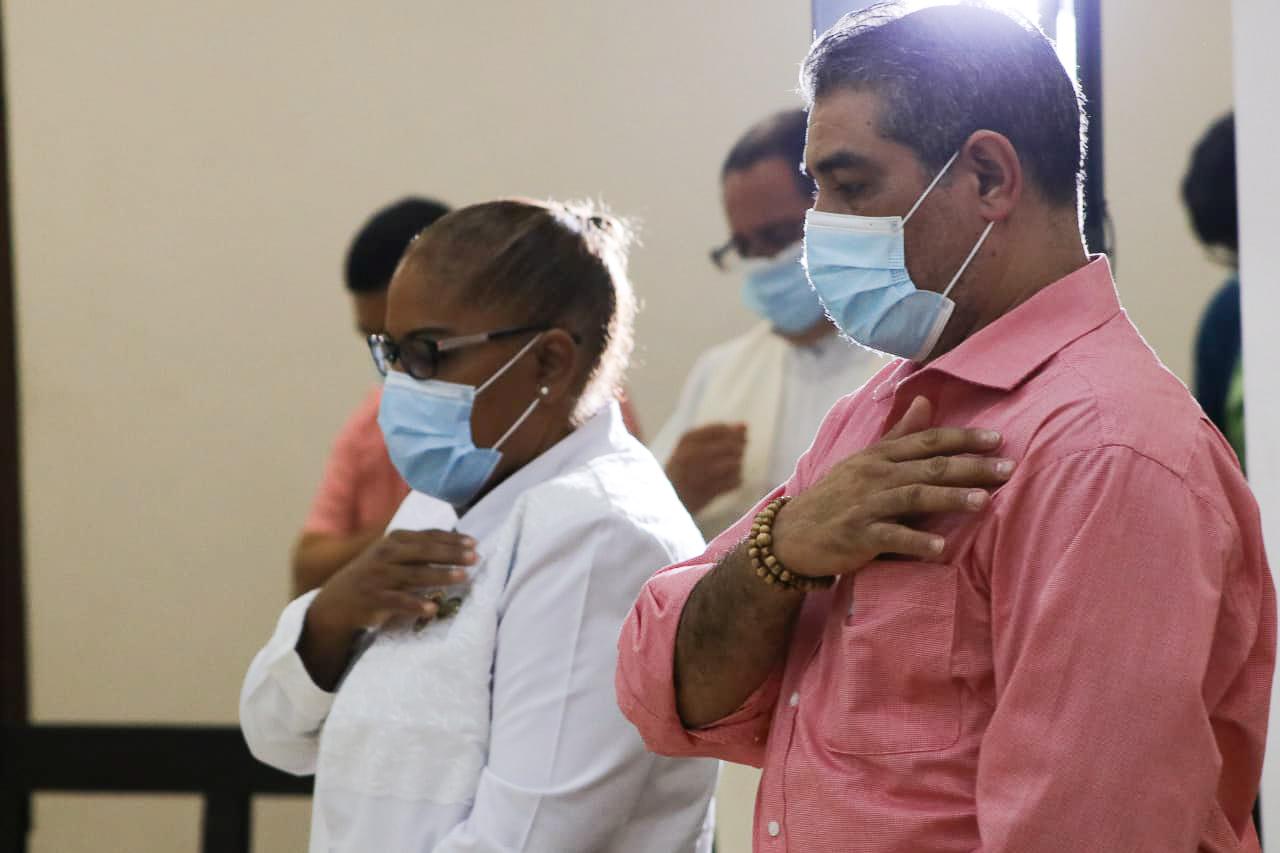 Salvación y salud dos palabras gemelas que identifica a los profesionales de Enfermería con Dios