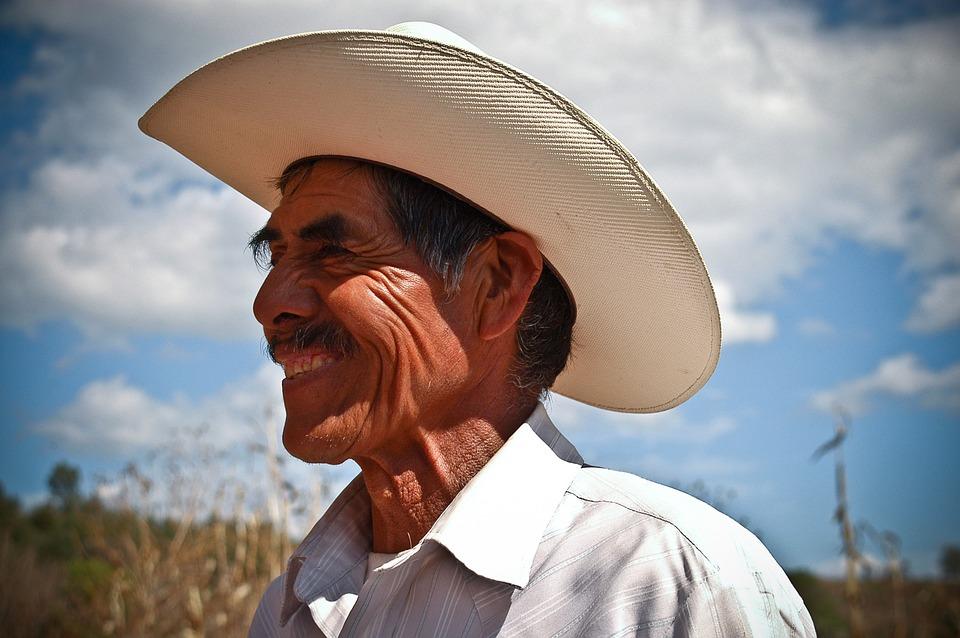 Monseñor Ulloa: Reconozcan y valoren el trabajo del agricultor y productor del campo