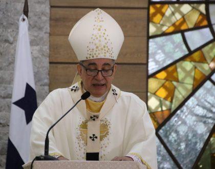 """Somos gente de fe, señaló el Arzobispo Ulloa,  refiriéndose a la campaña """"Una Iglesia servidora, solidaria y segura"""""""