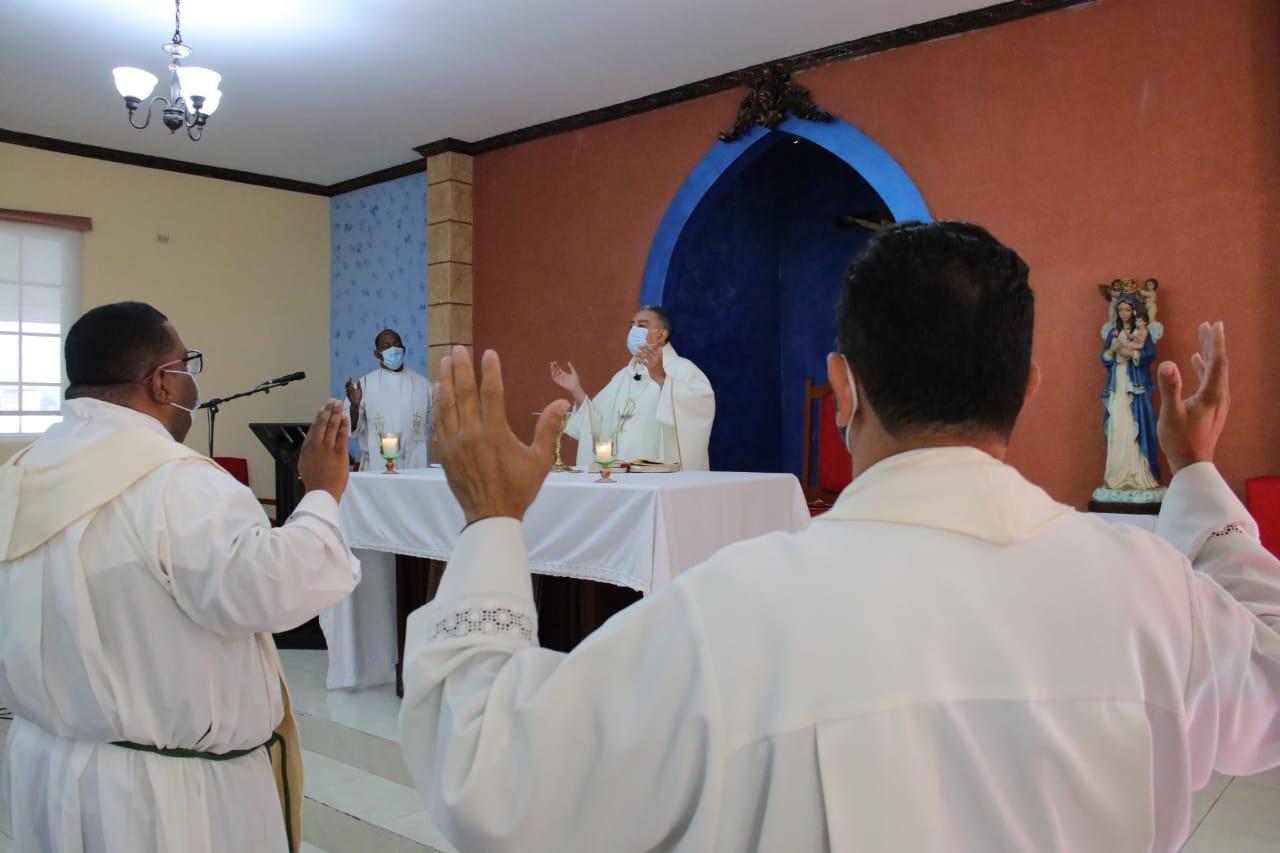 Arzobispo realizó retiro espiritual con Sacerdotes de 11 a 21 años de ordenación