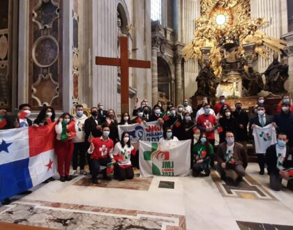 MISION CUMPLIDA: ENTREGADOS SÍMBOLOS DE LA JMJ DE PANAMA A PORTUGAL
