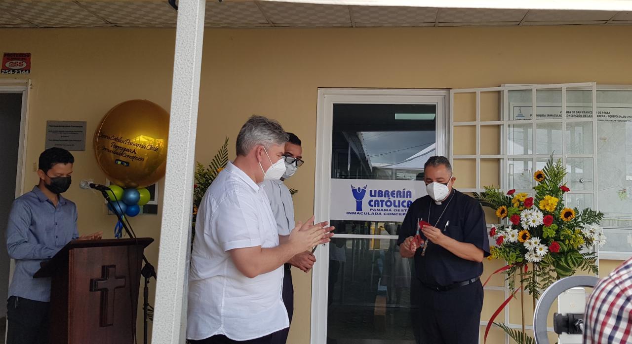 Fieles de La Chorrera tienen nueva sucursal de la Librería Católica