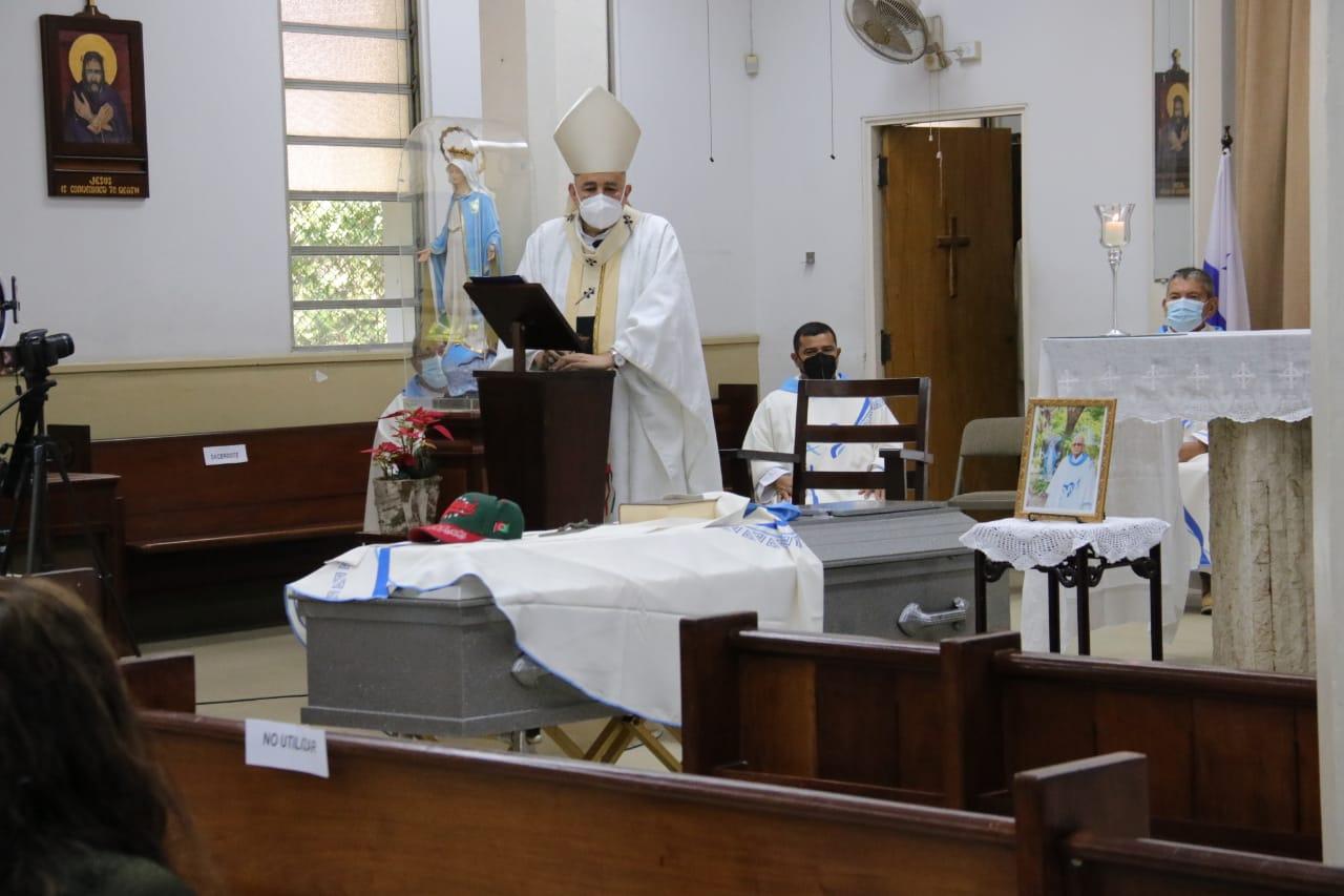 Acto religioso de despedida del cuerpo mortal del P. Teddy y Honras fúnebres.