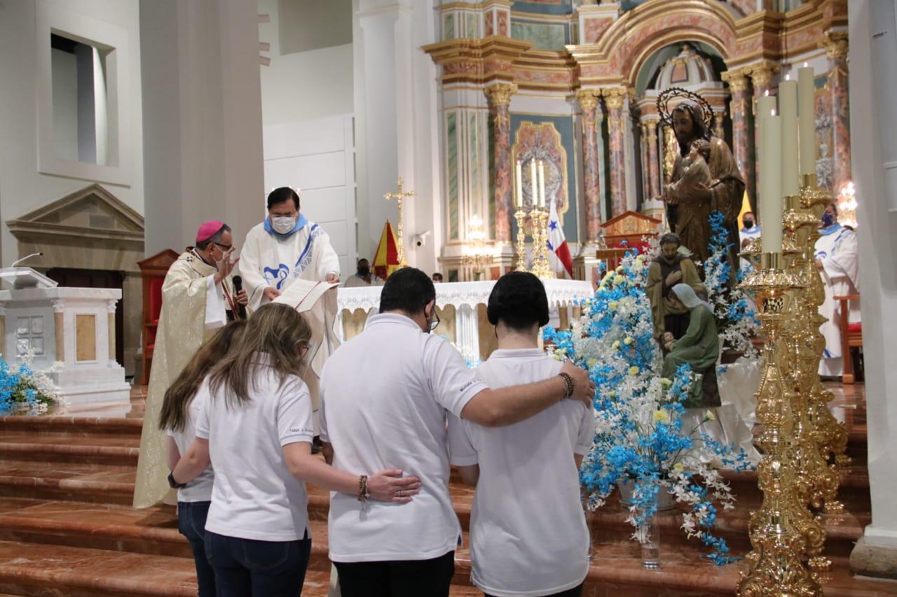 """Monseñor Ulloa: """"En el Año de la Familia, están llamadas a ser misionera ya proclamar el don y su belleza"""""""