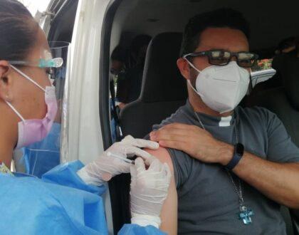 Sacerdotes voluntarios de la Arquidiócesis de Panamá reciben vacuna AstraZeneca