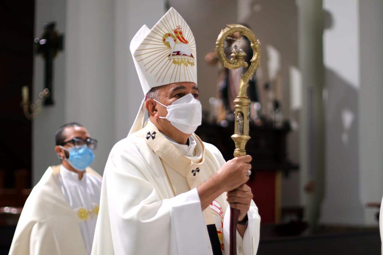 """Mons. Ulloa: """"Los sacerdotes somos los que con mayor humildad debemos ser espejo, ante Jesús Buen Pastor"""""""