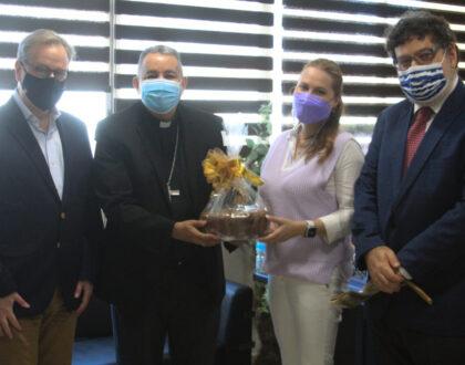 Con motivo del  Rosh Hashaná Rabino Kraselnik  visita al arzobispo Ulloa